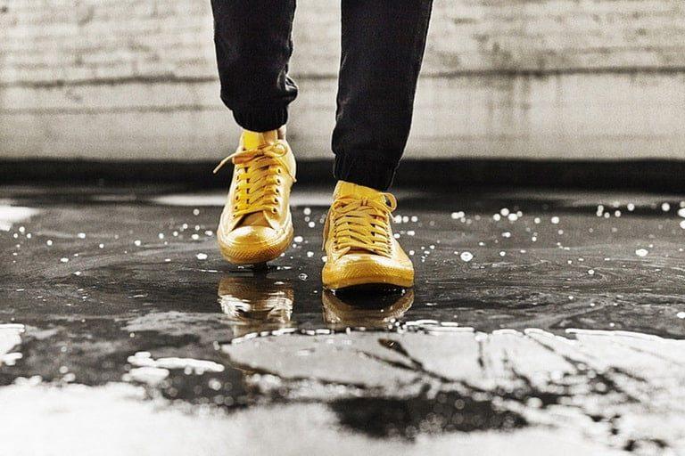 Bảo quản giày dép mùa mưa