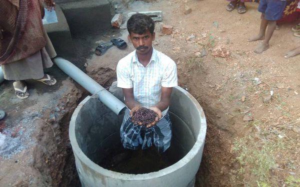 Bill Gates tài trợ 4.8 triệu USD cho dự án bồn cầu tự hủy không cần nước