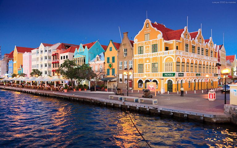 Kiến trúc châu Âu nổi bật giữa lòng thủ đô Willemstad