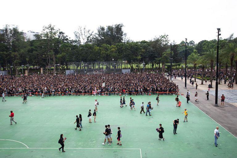 Nguoi Hong Kong Bieu Tinh (2)